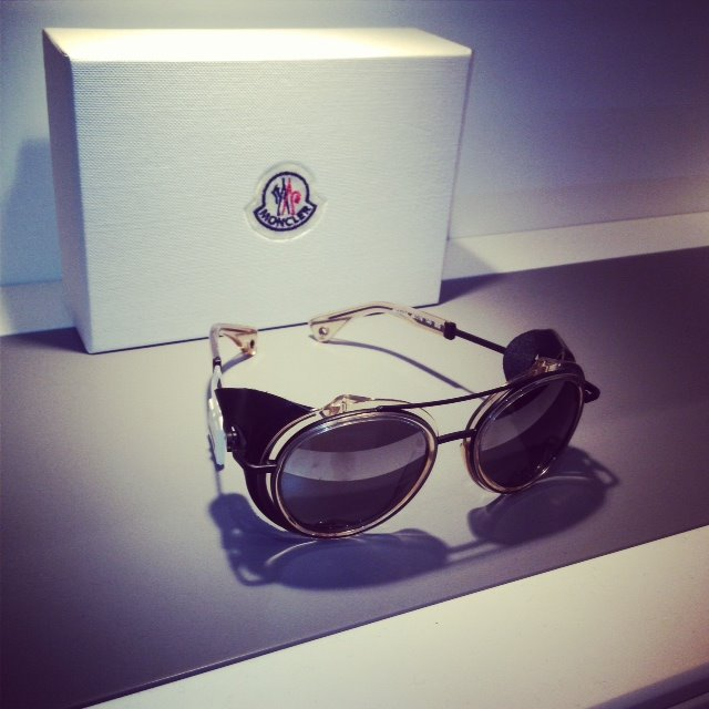 e930e608de47 Exclusivité   lunettes de soleil Moncler by Pharrell Williams