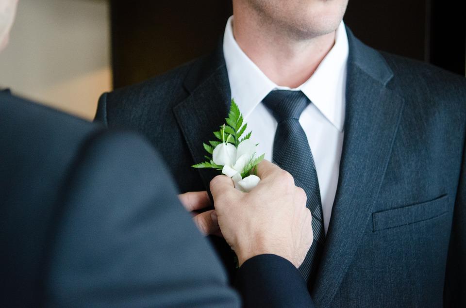 Costume de mariage: comment choisir le bon?