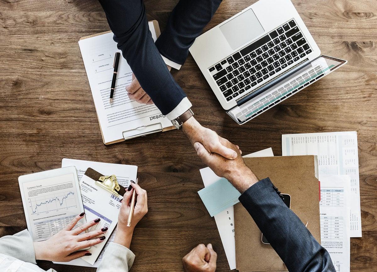 Signature d'un accord entre les gestionnaires d'entreprise