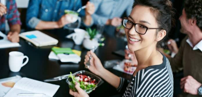 Liez d jeuner au bureau et repas quilibr gr ce la livraison de repas - Livraison dejeuner au bureau ...